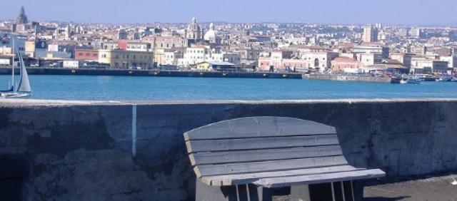 Veduta del porto di Catania