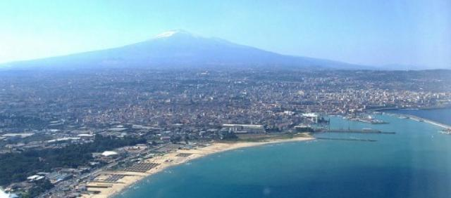 Panorama di Catania e dell'Etna