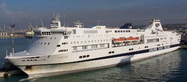 Traghetto Majestic nel porto di Civitavecchia