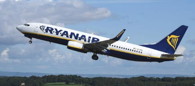 Boeing 737 Ryanair in fase di decollo