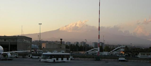 Aeroporto di Catania - Vista sull'Etna