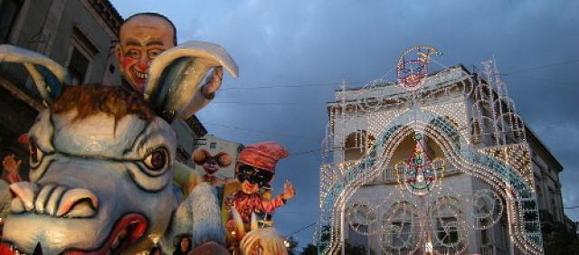 Carnevale di Acireale - Carri allegarici - Febbraio