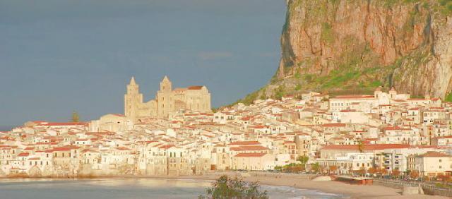 Vista su Cefalù - Vacanze in sicilia