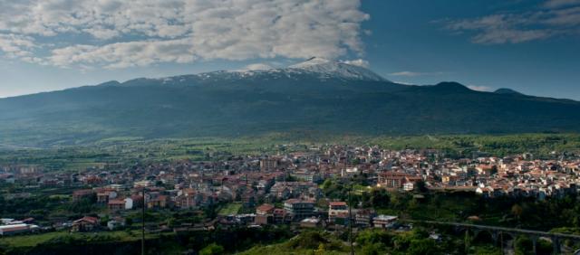 Randazzo e Etna sullo sfondo