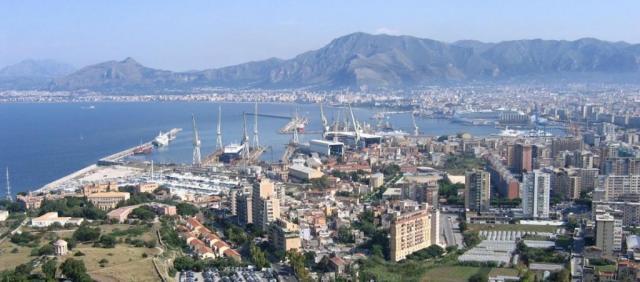 Panoramica sul porto di Palermo