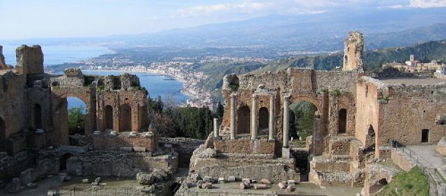 Teatro Greco di taormina - Vista sulla costa