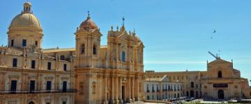 IMG Guida Noto 2020 - L'elegante atmosfera della città barocca